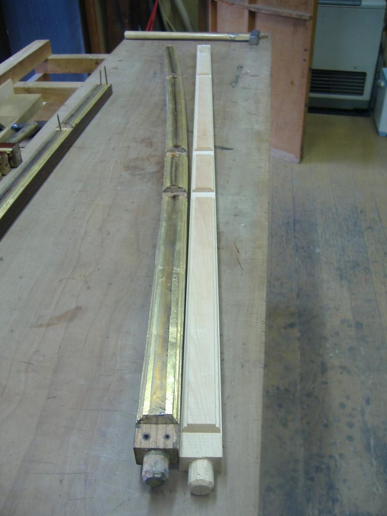 この曲がりは修復不可能です、木工職人の腕の見せ所でしょうか。