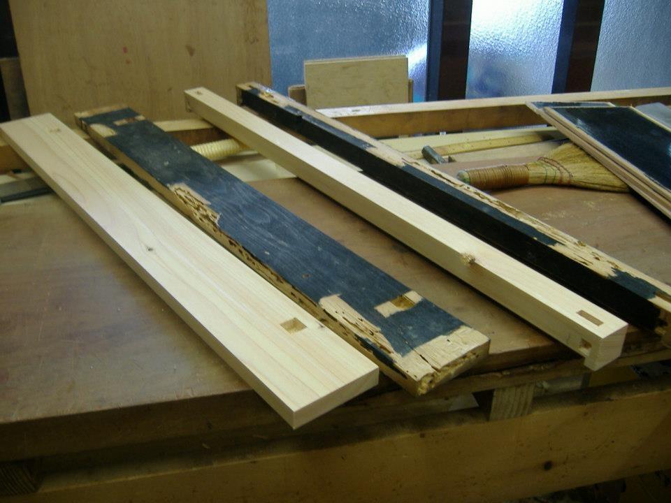 仏壇製造をしている当社としては、木地の作り替えは簡単に行えます。