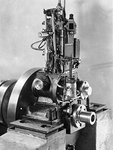 Lang-Lanova-Dieselmotor von Anfang 1930, der hervorragende Betriebswerte hatte.
