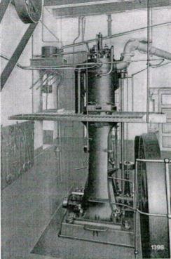 Historischer Dieselmotor 35/55 des Krupp-Grusonwerkes, Magdeburg-Buckau, Baujahr 1898