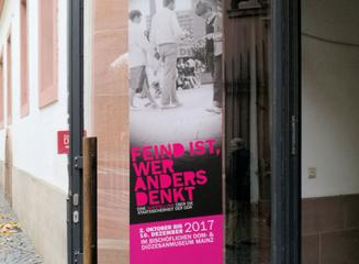 Feind ist, wer anders denkt - Wanderausstellung in Mainz © dokfoto.de / Klaus Leitzbach