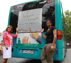 Steffi Jones und Stadträtin Birkenfeld © dokubild.de 2008
