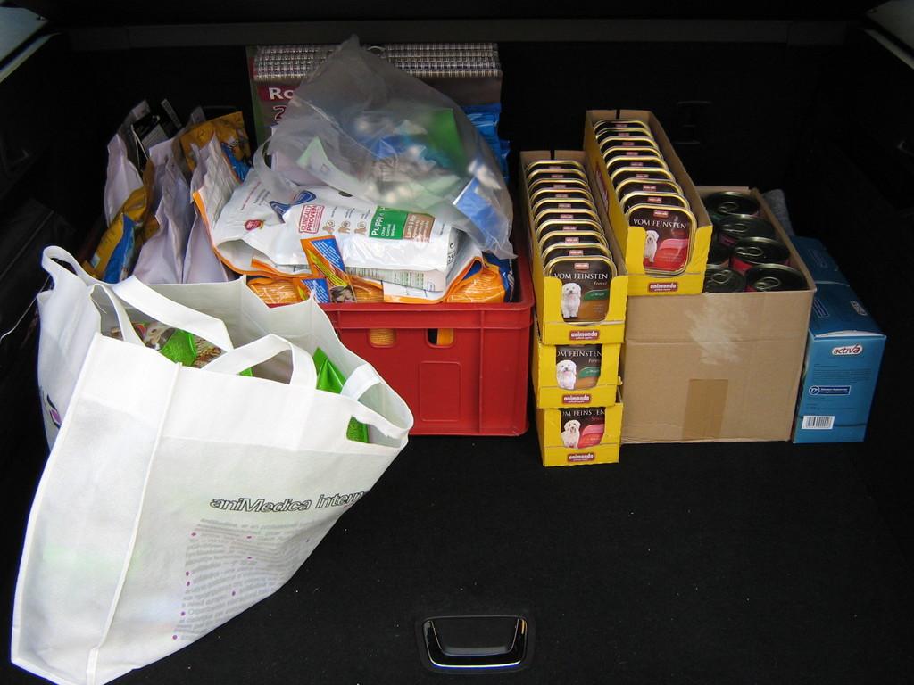 27.6.2012 vielen Dank für die tollen Futterspenden aus Büttelborn