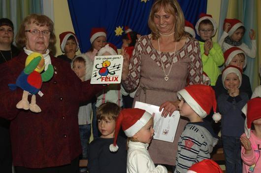 Maria Hetterich im Kindergarten Eltingshausen, Leiterin Waltraud Schott - Dez. 2014