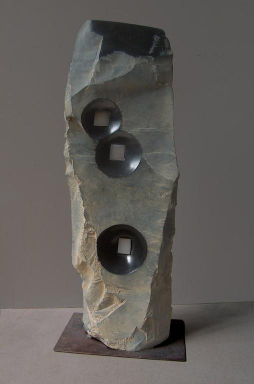 Tre luci - 2007 - Marmo nero, onice e foglia d'argento