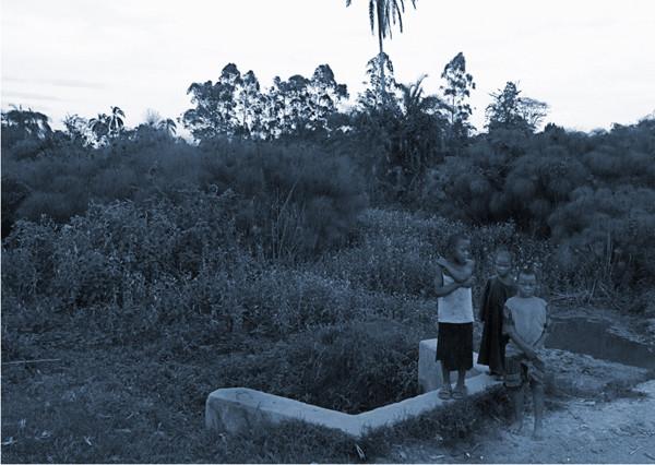 地蔵建立—キバレ湿地[ウガンダ] Jizoing: Kibaale swamp [Uganda], 2008