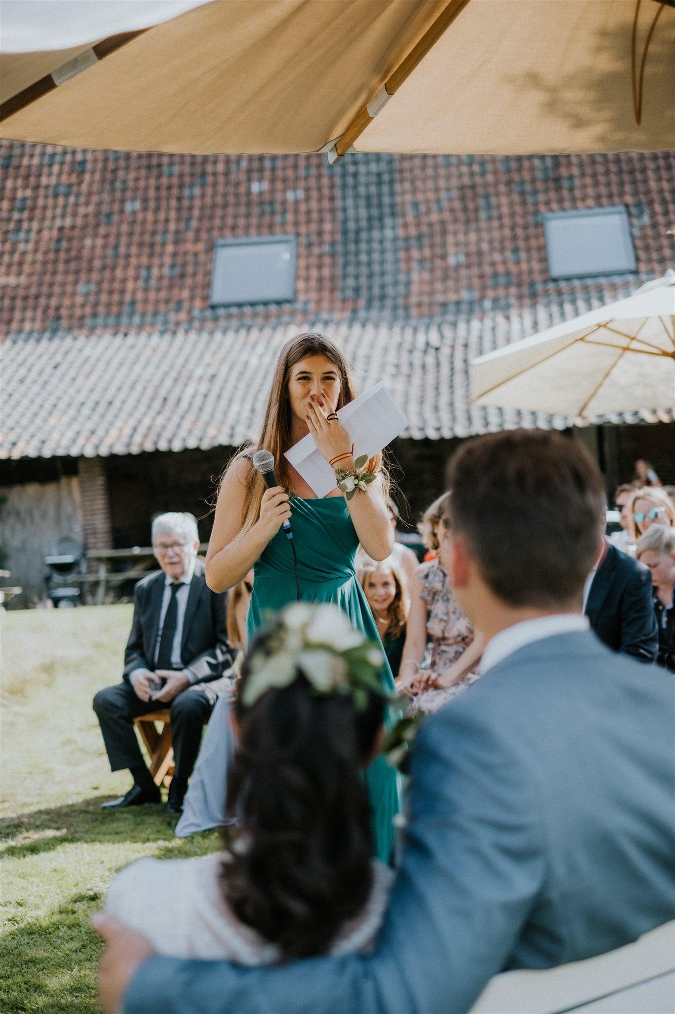 Gänsehautfeeling für das Brautpaar (Foto: Kevin Biberbach)