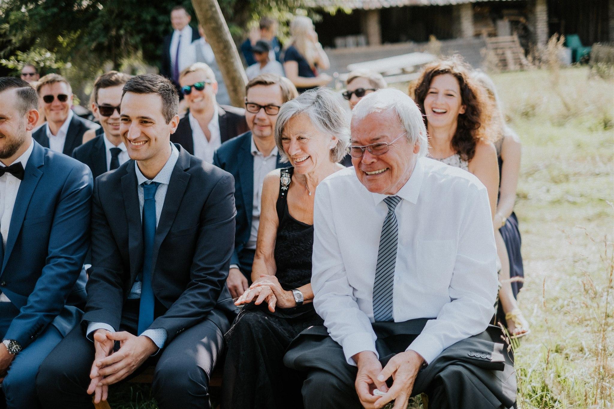 ...sondern auch die Gäste zum Lachen (Foto: Kevin Biberbach)