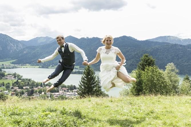 Hochzeit auf der Stögeralm am Schliersee mit Hochzeitsrednerin Katharina Lehmkuhl