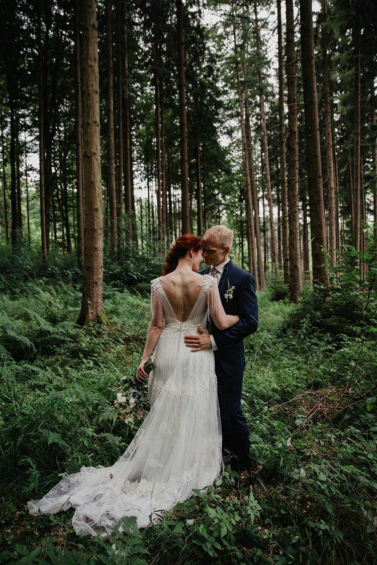 Eine wunderschöne Waldhochzeit im Erlauholz (Foto: Mona & Reiner Fotografie)
