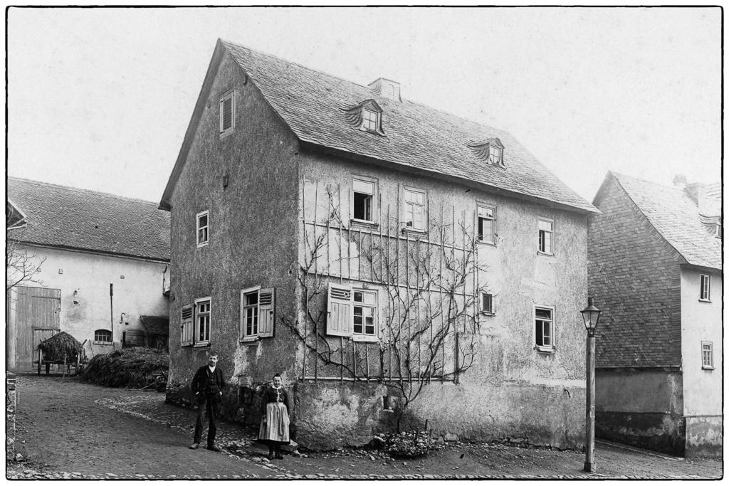 """""""Derns"""" Haus an der jetzigen Kreuzung Frankfurterstr-Bergstraße um 1916"""