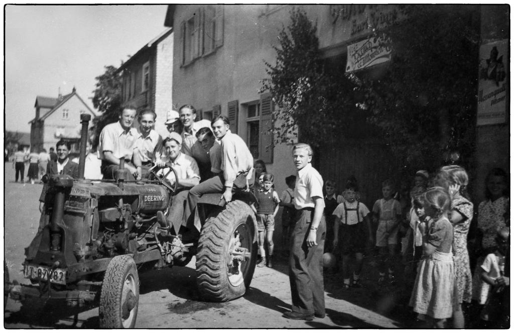 Kirmeserburschen in Hochelheim