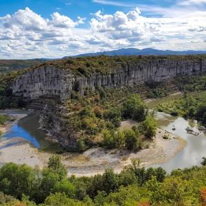 Ardèche - Méandres dans les gorges de l'Ardèche