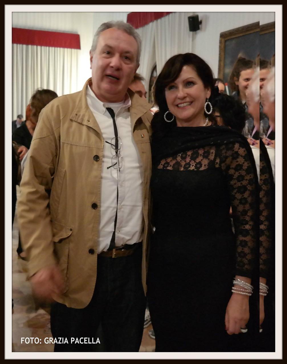 Il regista Mauro Vittorio Quattrina con la Dott.ssa Anna Lisa Tiberio