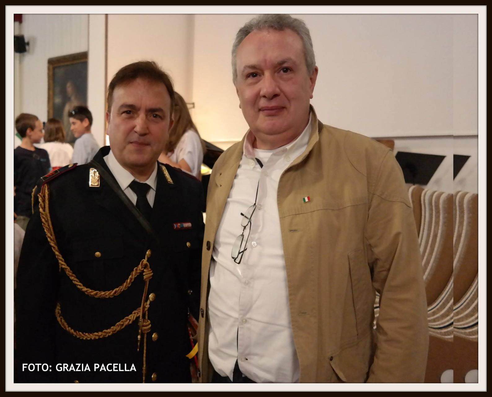 Il tenore Paolo Restiotto della Polizia di Stato con il regista Mauro Vittorio Quattrina