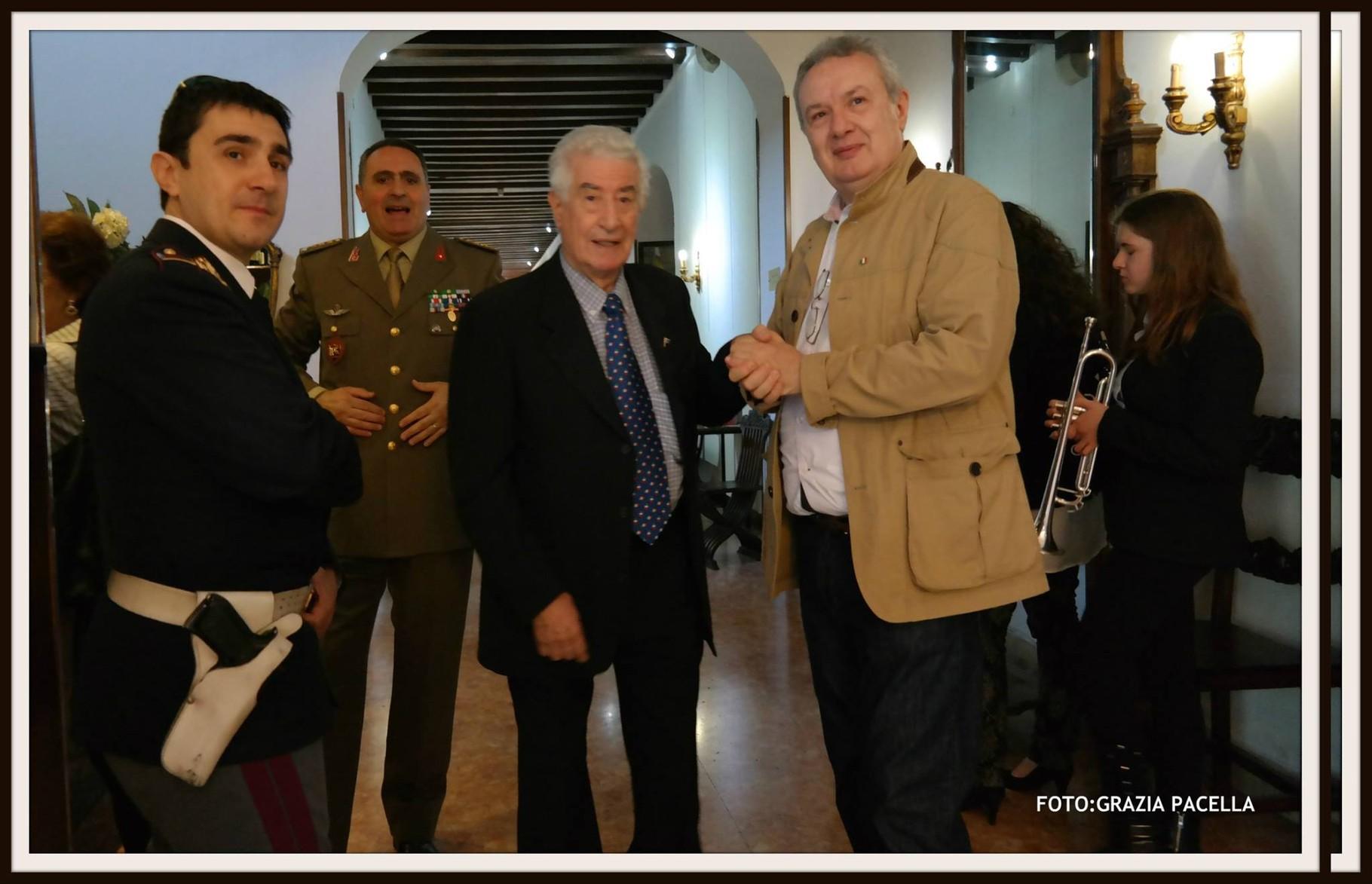 Il Generale Pisani con il Comandante Vitucci del Circolo Ufficiali dell'Esercito di Verona e il regista Mauro Vittorio Quattrina