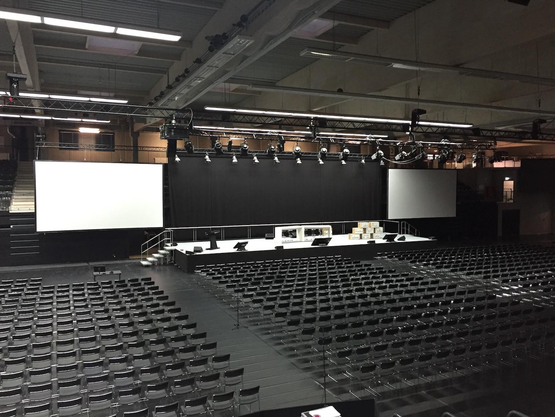 Inselparkhalle -  Aufbau Telekom Betriebsversammlung 01.03.16