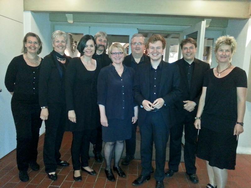 Vor dem Konzert in der St. Peter-Kirche, Juni 2013
