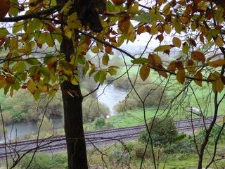 Rückblick zur Lahn und zur Lahntalbahn