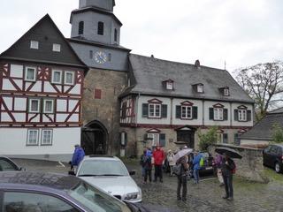 Der Solmser Hof unterhalb des Schlosses