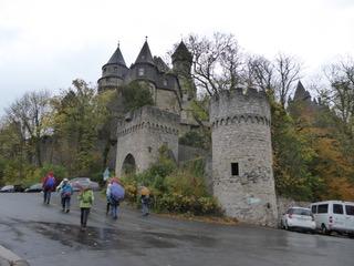 Wir nähern uns dem Braunfelser Schloss