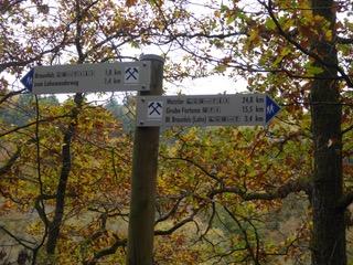 Das Bergwergszeichen weist den Weg