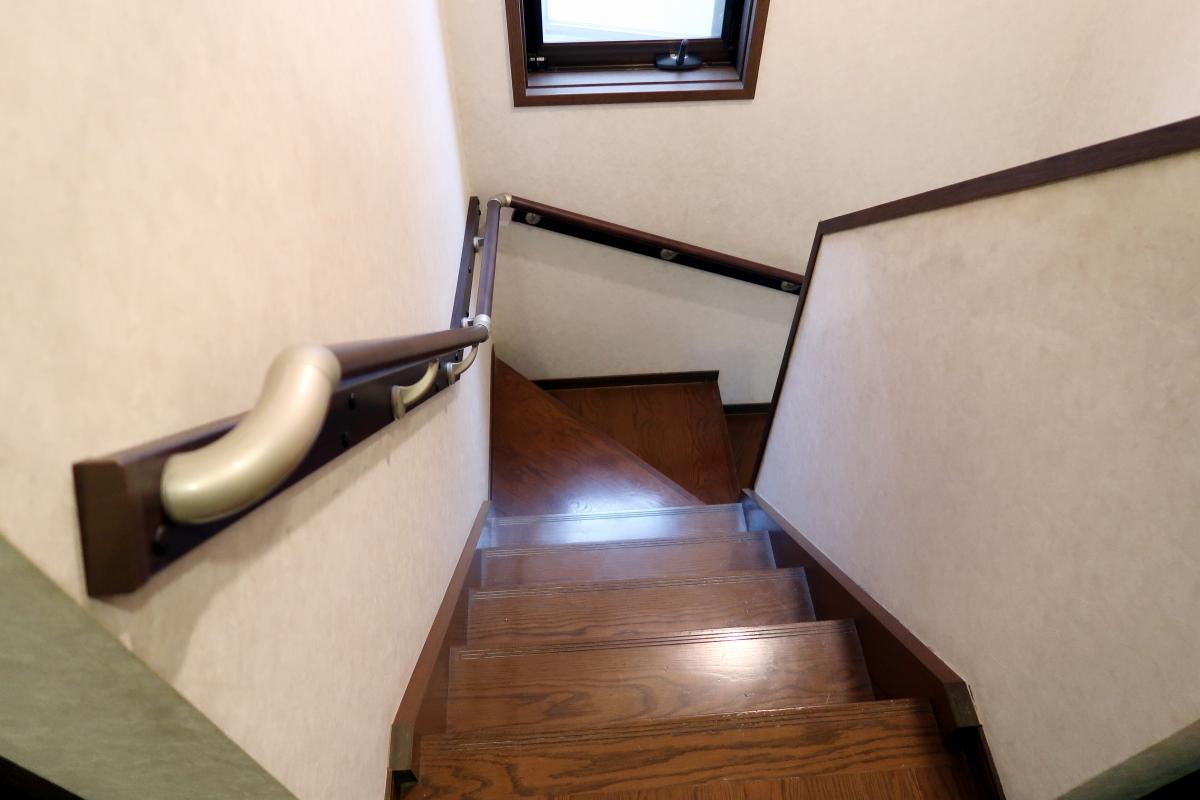 施工後 階段手すり
