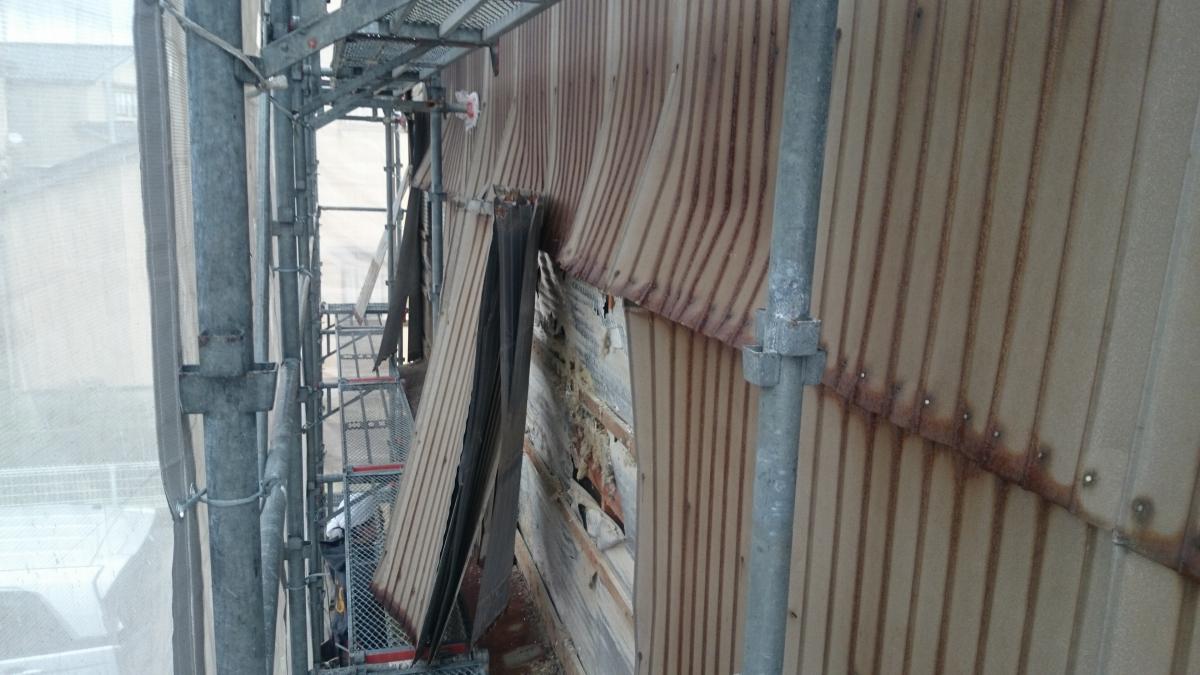 施工前 壁トタン