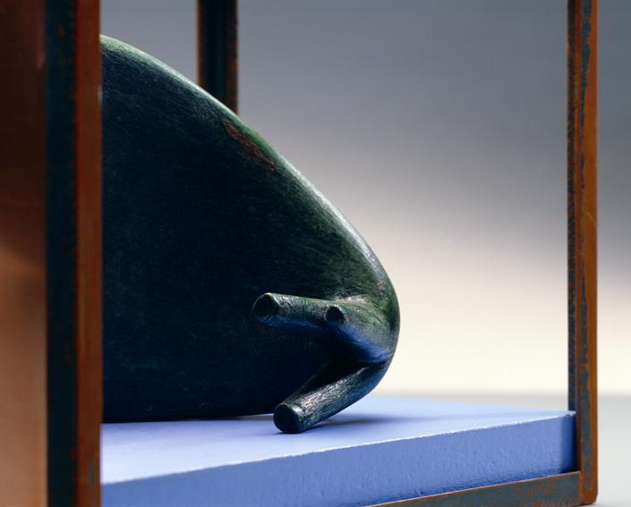 Modulo 7  das in den Spiegel schaut  2008, 21 x 38 x 26 cm,  ferro, rame, cera, legno dipinto