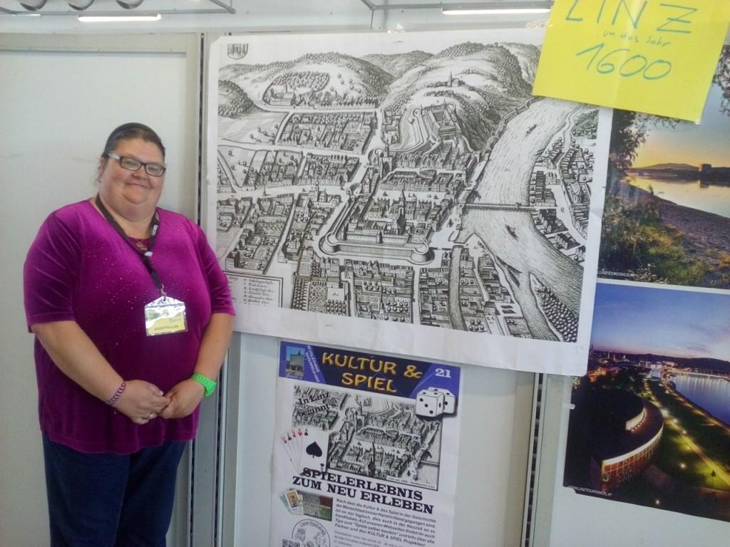 Claudia mit unserem Linz-Projekt
