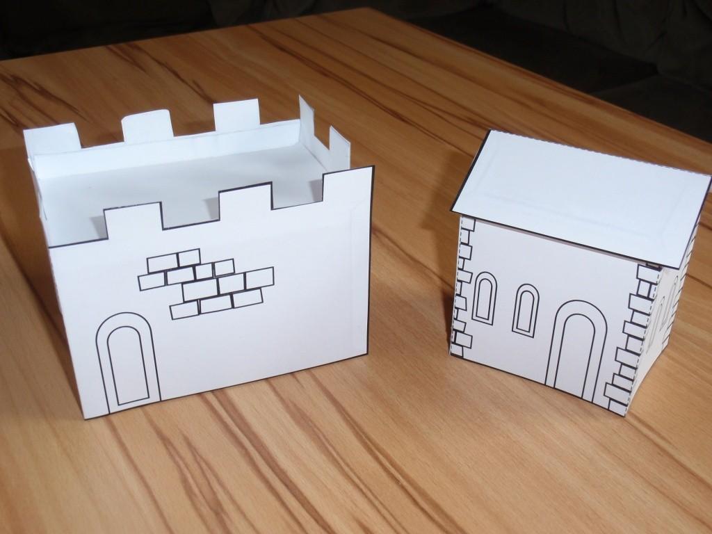 Der Innenwall und ein Gebäude