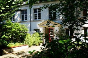 Praxis für Hypnose im Hinterhof in Hannover
