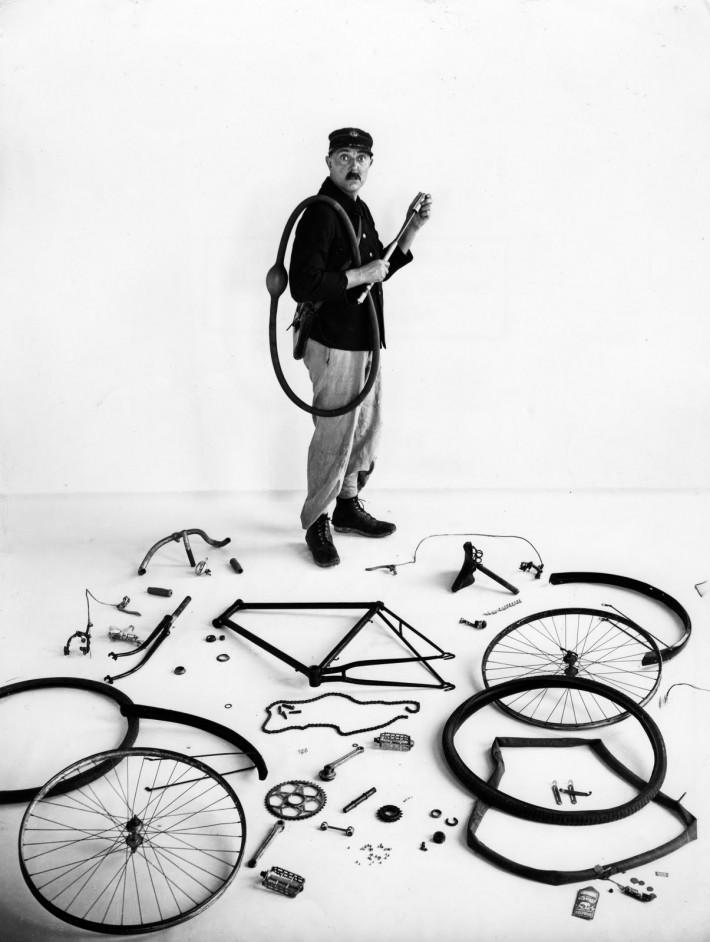 Robert Doisneau: Le vélo de Tati, 1949