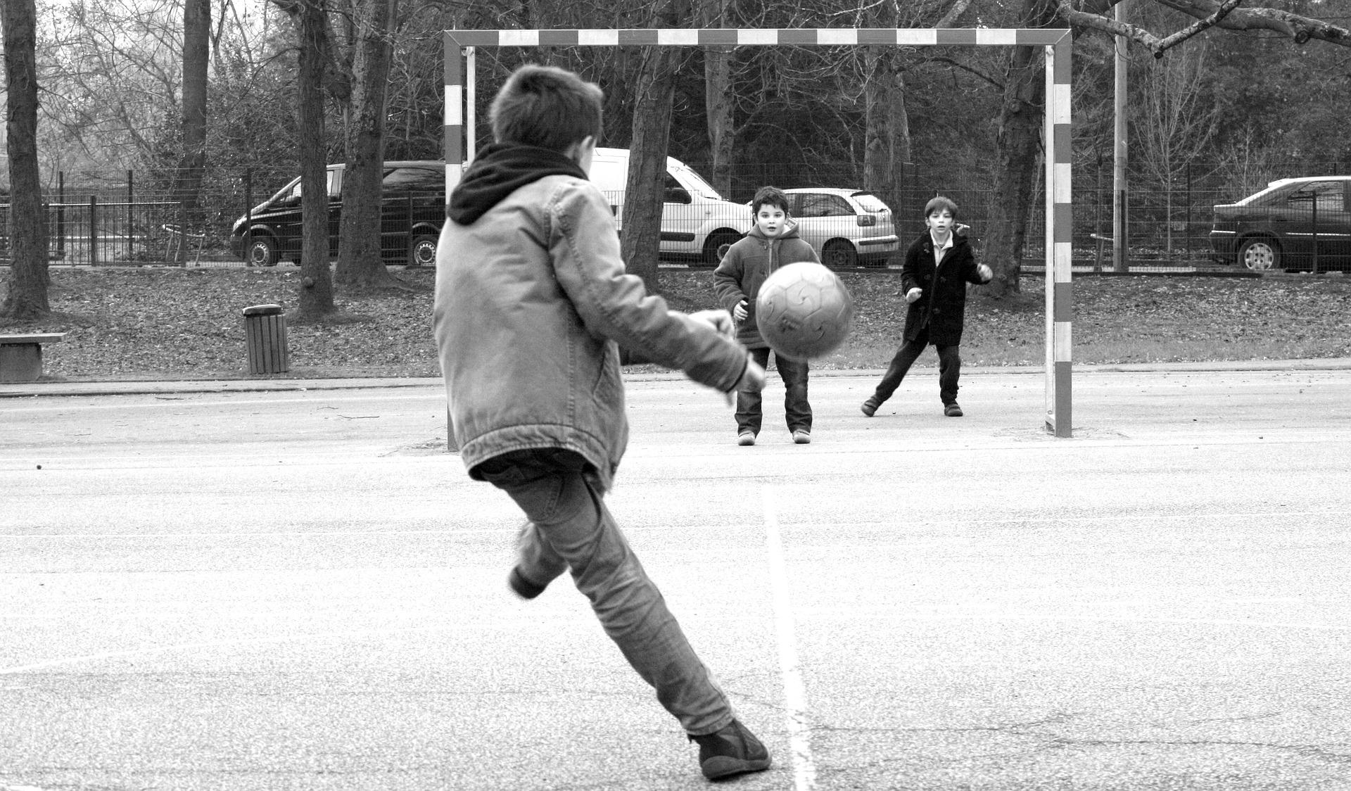 Palla al centro: sport per avvicinare le periferie