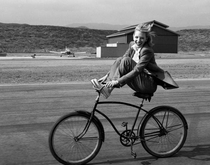 Cate Blanchett by Annie Leibovitz – Vogue – 2004