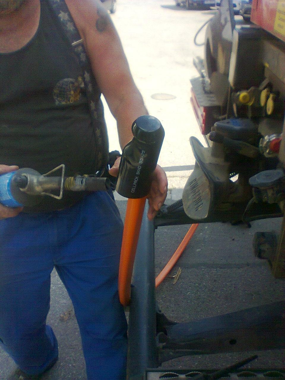 … oder Schrumpfkappen sind nicht geeignet für einen permanent erdverlegten Endabschluss eines Rohrverbandes