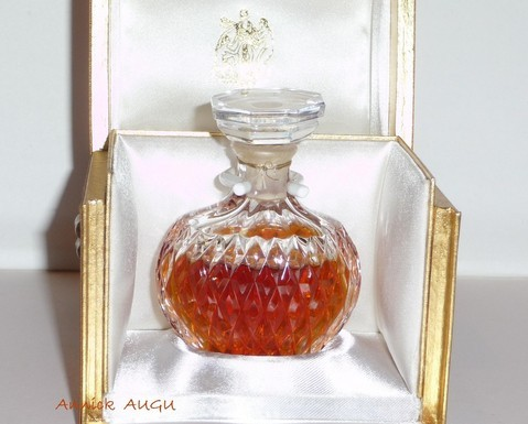 FLACON PARFUM EN CRISTAL LALIQUE - A POINTES DIAMANTEES - FLACON NUMEROTE - 30 ML
