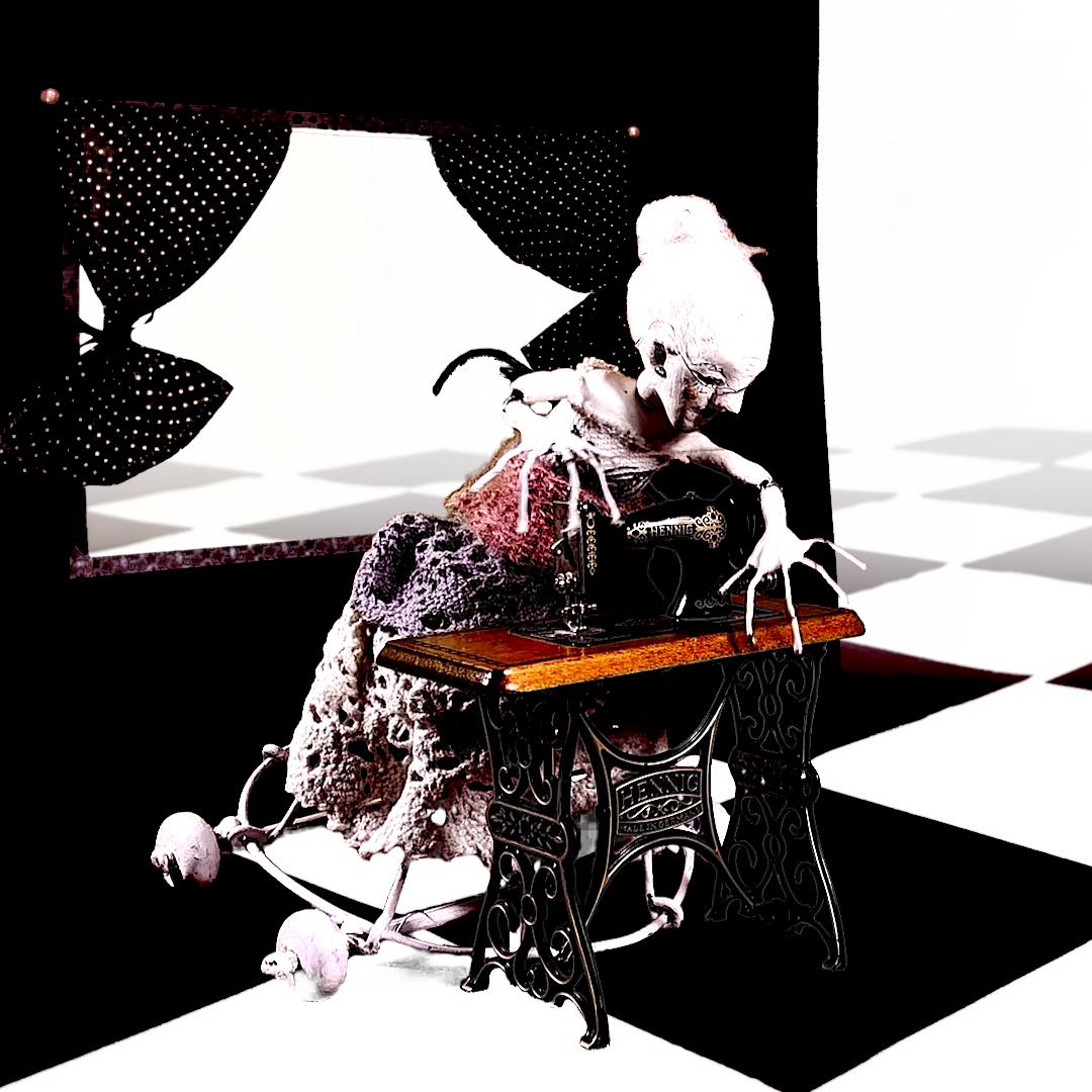 bjd_grandma_sewing