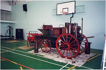 昭和初期消防自動車の修復