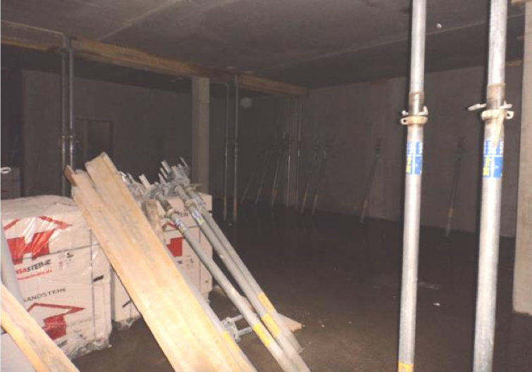 (18.08.2015) Die Räume stehen in Schalung.