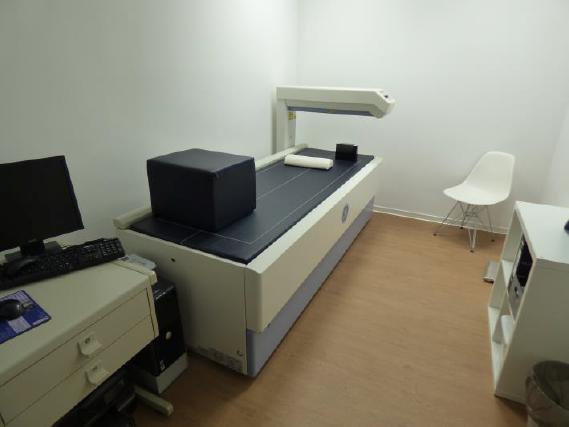 (11.03.2016) Knochendichteraum mit Knochendichtemessgerät