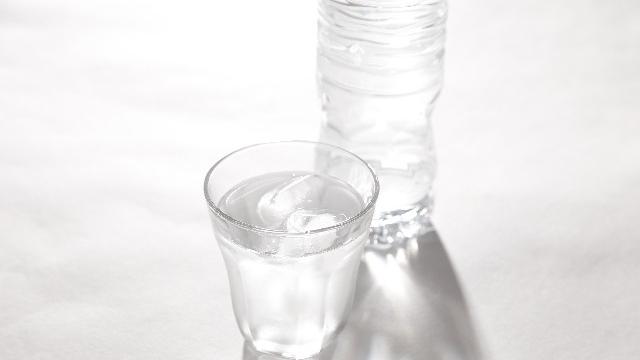 「奇跡の水」と賞賛される水素水の効果とは