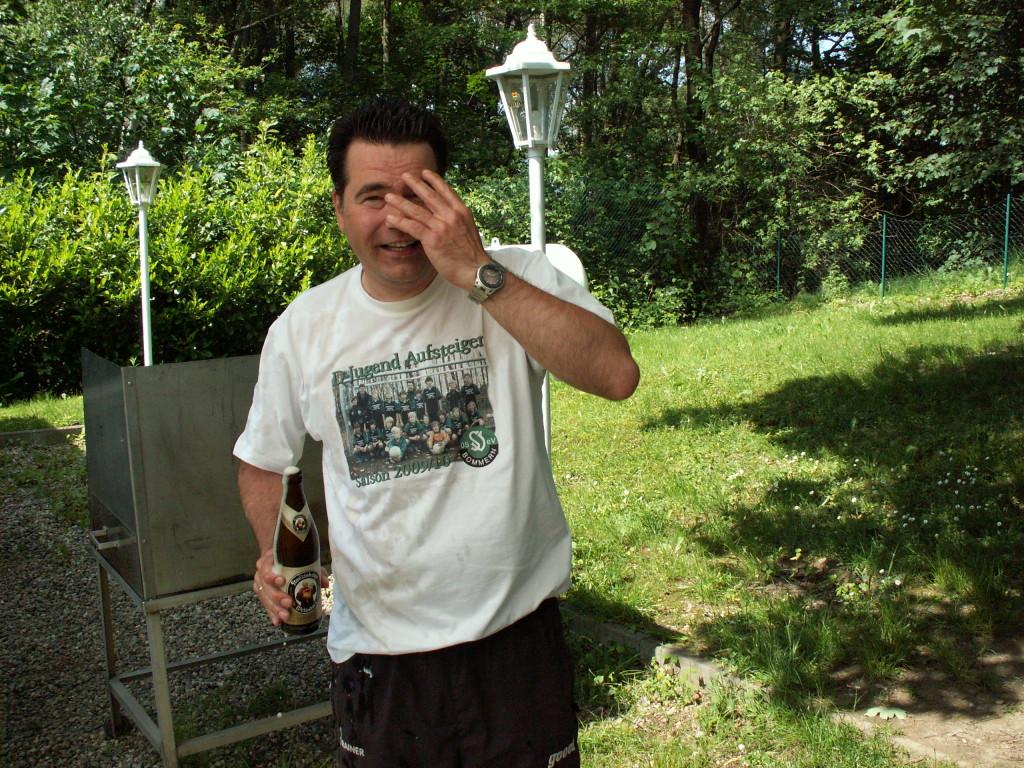 Trainer mit Weizenbier
