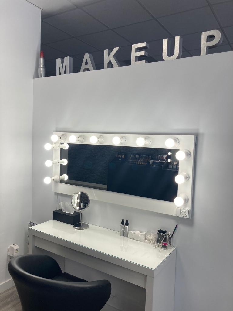 Estudió técnico de maquillaje profesional Zaragoza