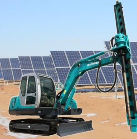 大規模太陽光発電基礎スクリュー杭打込み重機