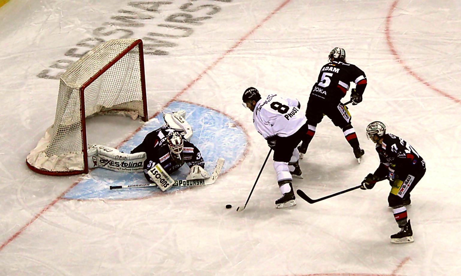 interessanter Neuzugang bei den Ice-Tigers, Nr. 8 Brandon Prust 486 NHL Spiele. Foto: Stefan Wenske