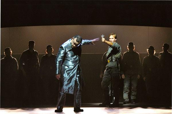 Faust Gounod role: Valentin; Opera Zuid, 2009 © Deen van Meer