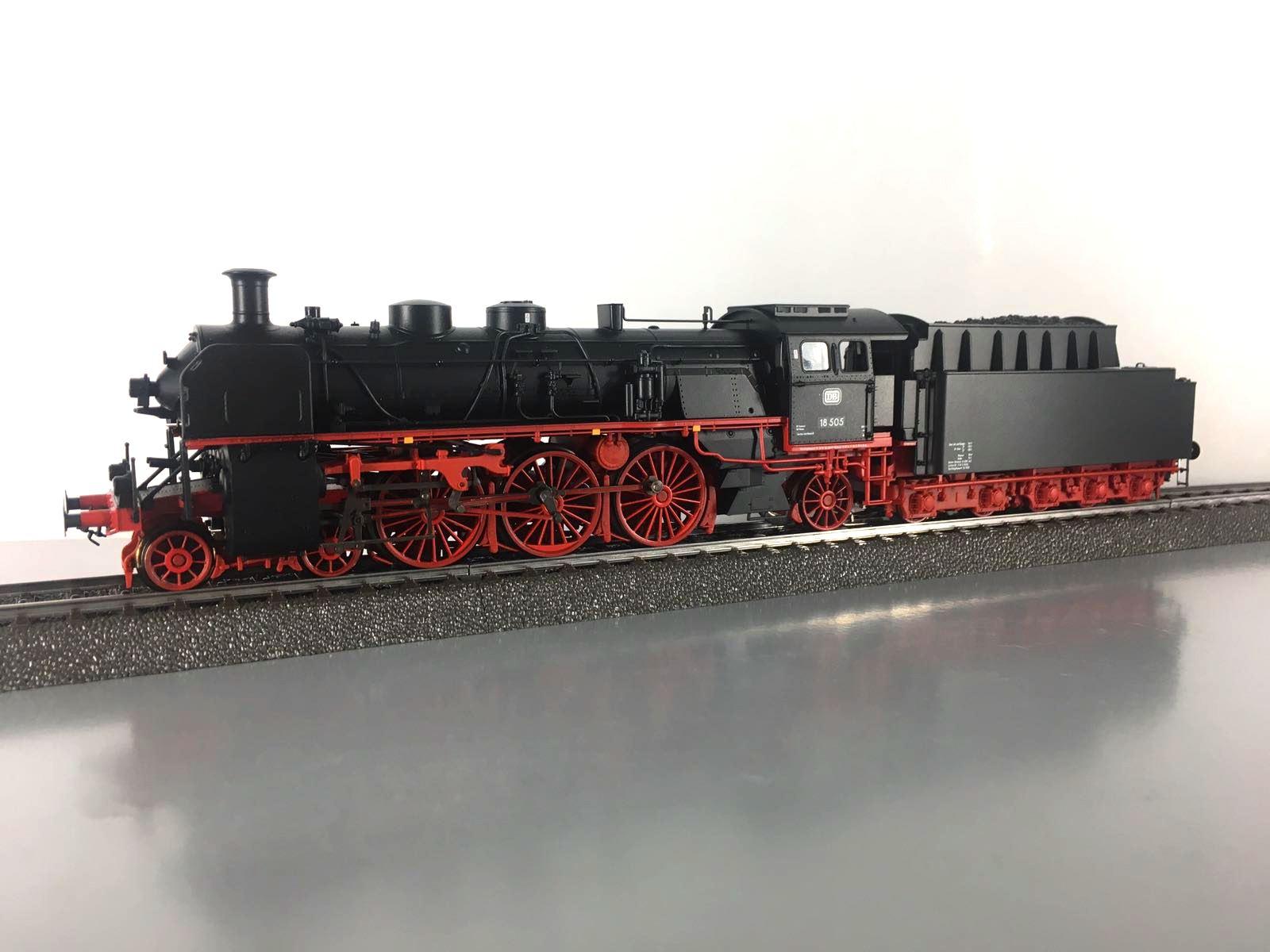 Märklin 39034 Schnellzug-Dampflokomotive BR 18.5 DB