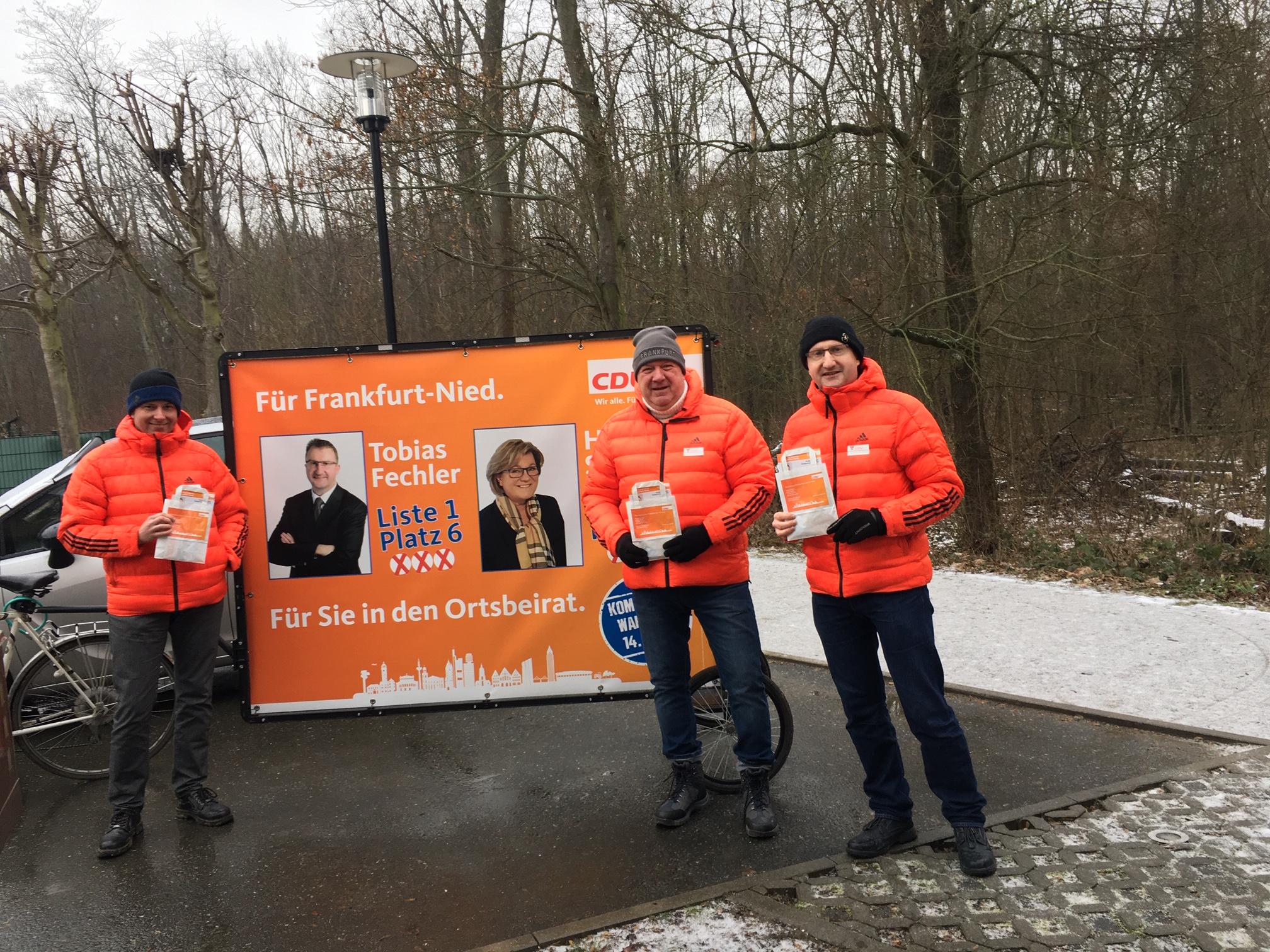 Torsten Gleich, Michael Kumnick und Tobias Fechler (v.l.) unterwegs im Wilhelm-Koppel-Weg.