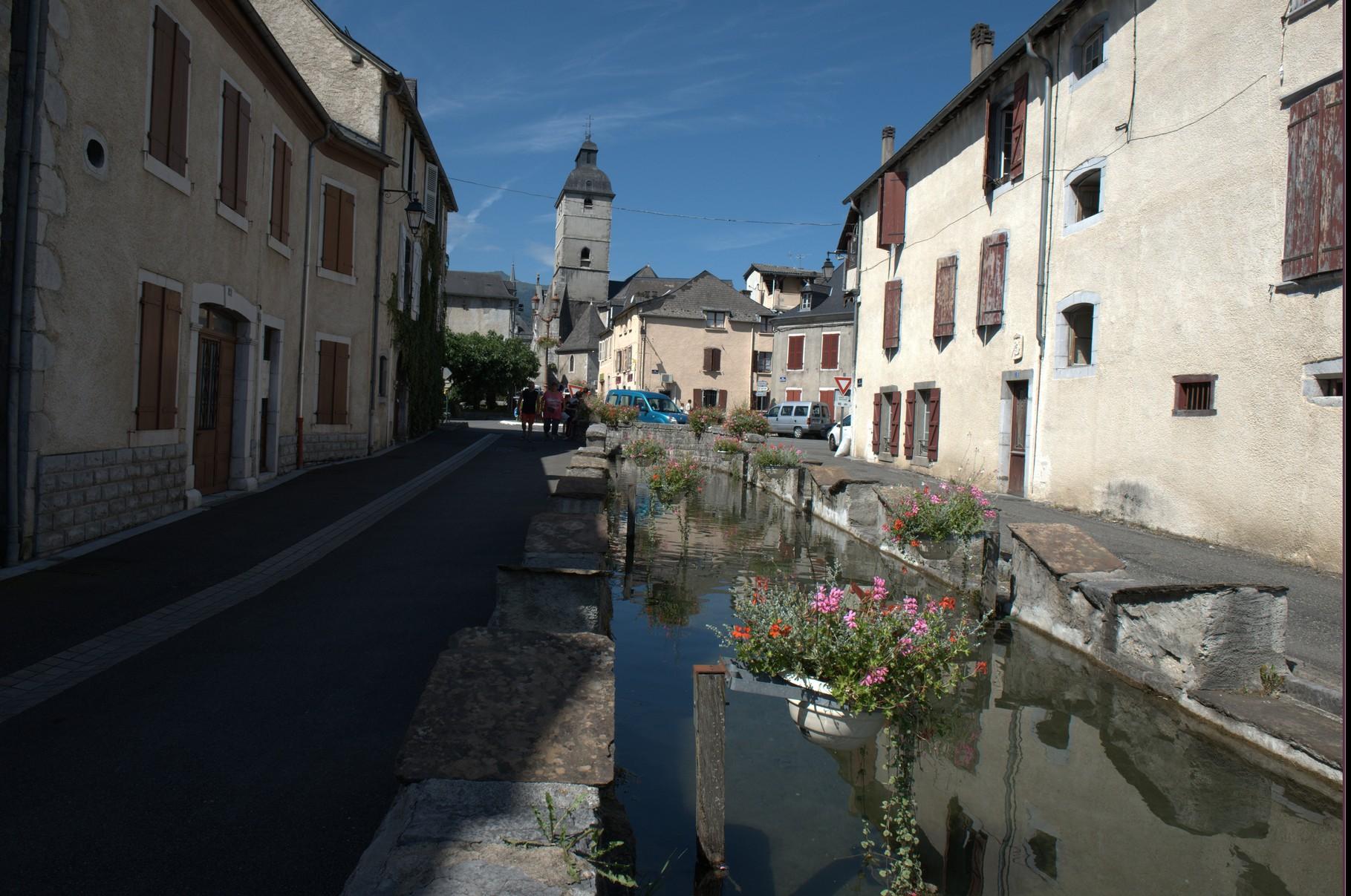Arudy accueille des yogis venus de Nice de Toulouse et d Arudy